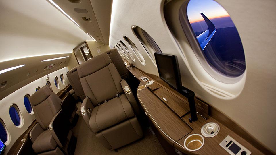 Falcon 2000 etc exclusive travel consulting for Grandi jet privati in cabina
