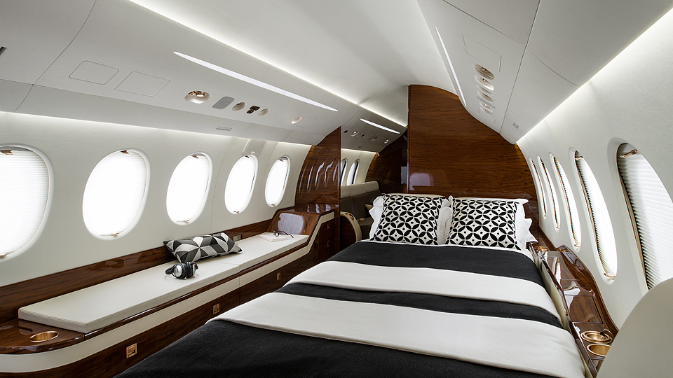 Falcon Aereo Privato : Falcon etc exclusive travel consulting